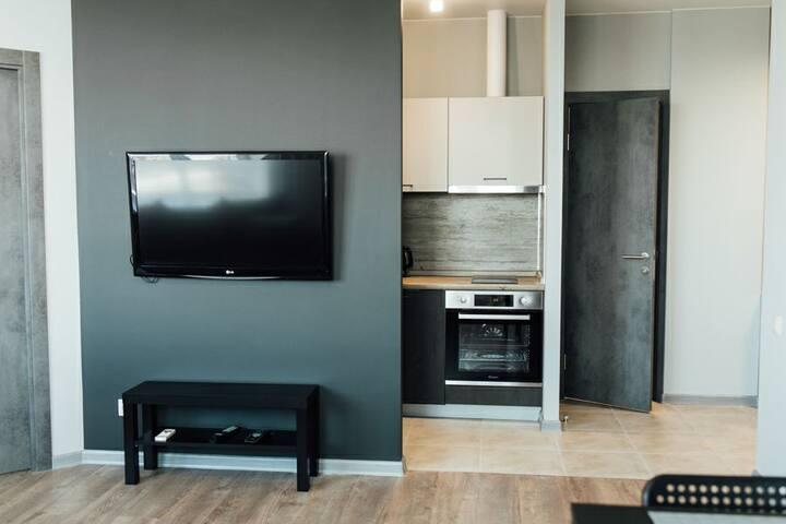 Новая, чистая квартира в живописном месте города