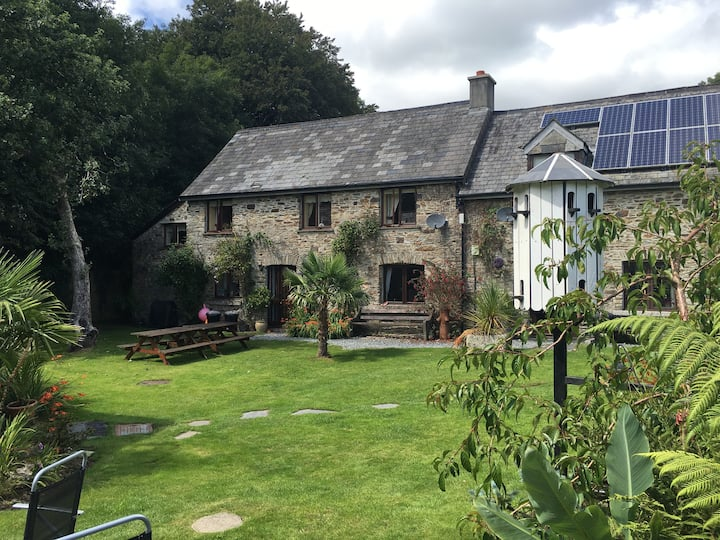 The Stables - A charming Stone Cottage