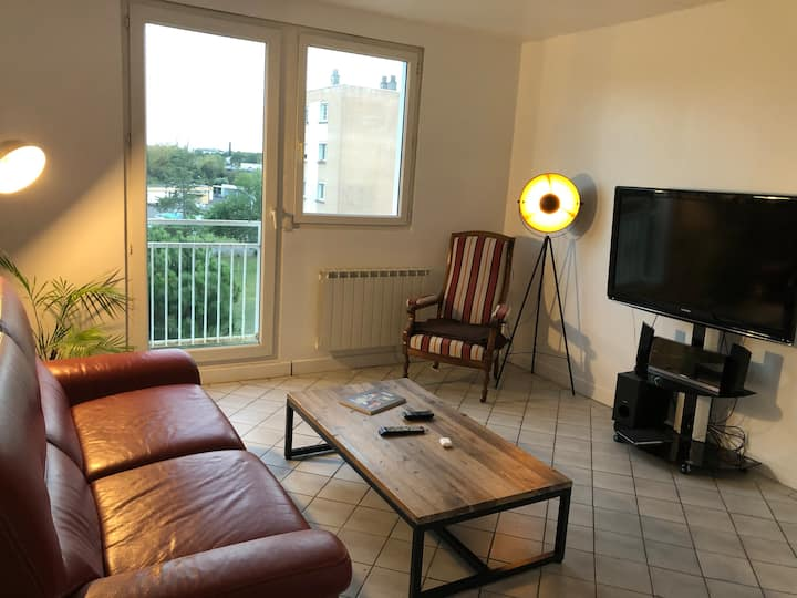 Villenave-d'Ornon : Chambre privative confortable