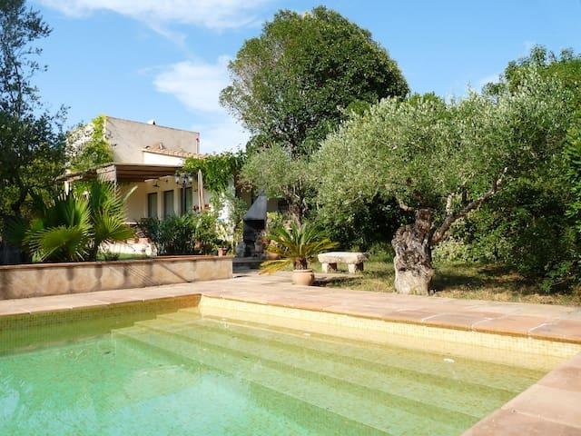 COUNTRYSIDE HOUSE in Baix Empordà - Parlavà - Dom