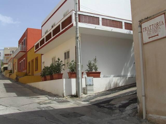 Linosa Casa Mimma - Trilocale - da 2 ospiti in su