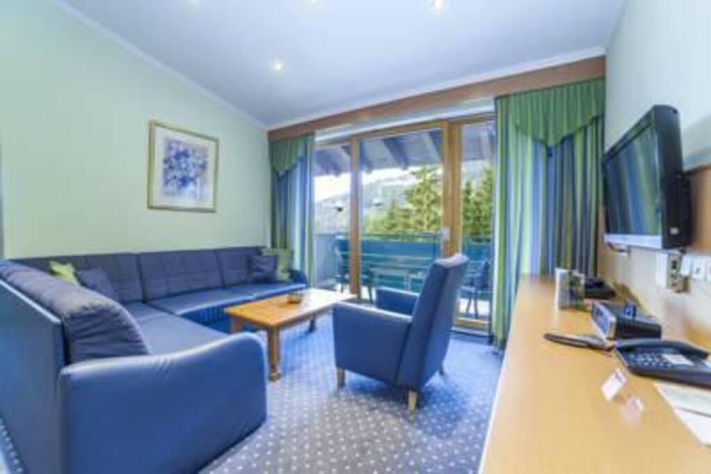 Alpine Club Lounge