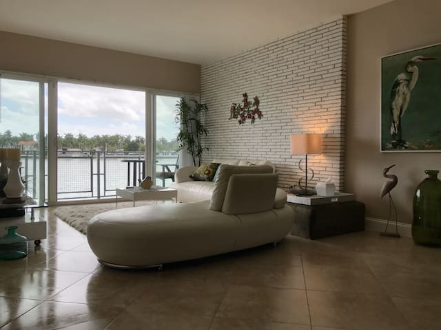 Spacious & Luxury apartment - Miami Beach - Apartment