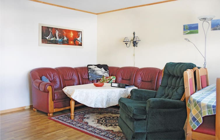 Holiday apartment with 2 bedrooms on 85 m² in Vestnes