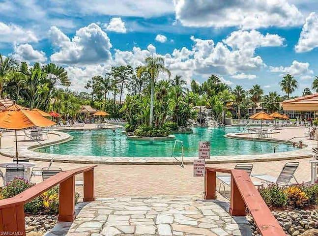Beautiful Beach Resort Condo