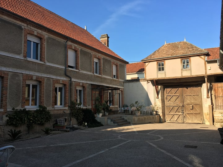 Accomodation in the heart of Champagne vineyards