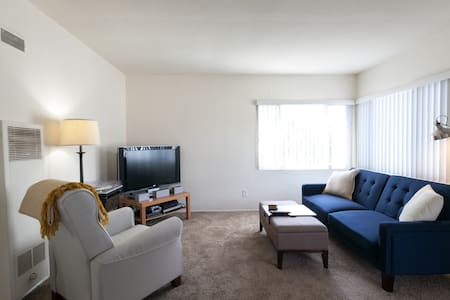2 bedroom Point Loma Apartment near Shelter Island - San Diego - Apartmen
