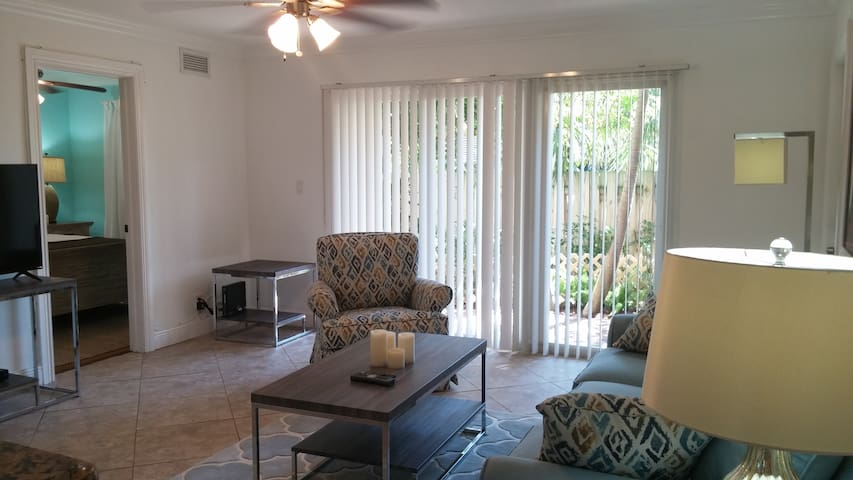 Downtown Delray Beach Walk To Beach Apartments For Rent In Delray Beach Florida United States