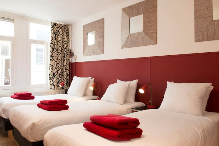 Hotel in the heart of Amsterdam 3p