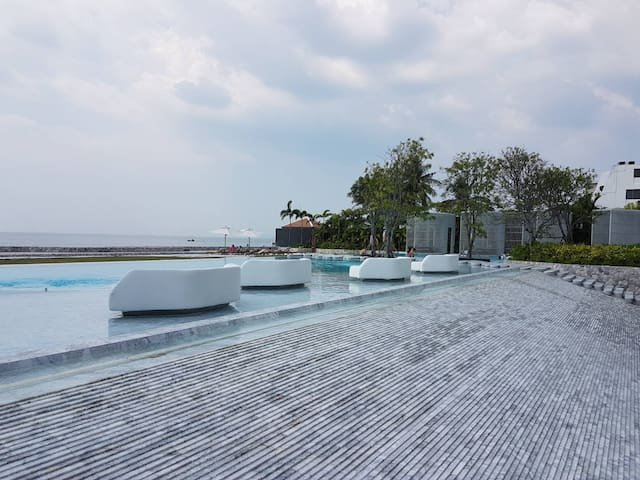 High Floor and Sea View Veranda Residence Pattaya