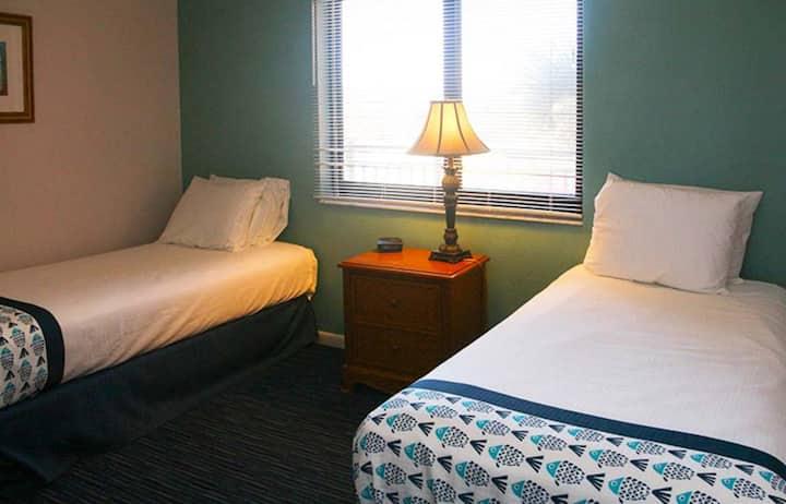 Two Bedroom Ocean Front Luxury Condo, Florida (A702)