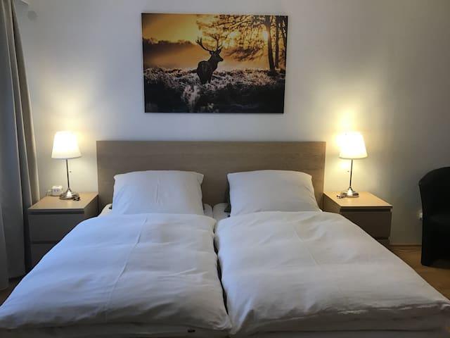 Apartment• Perfekt für 2 EZ / DZ (5 Durchreisende)