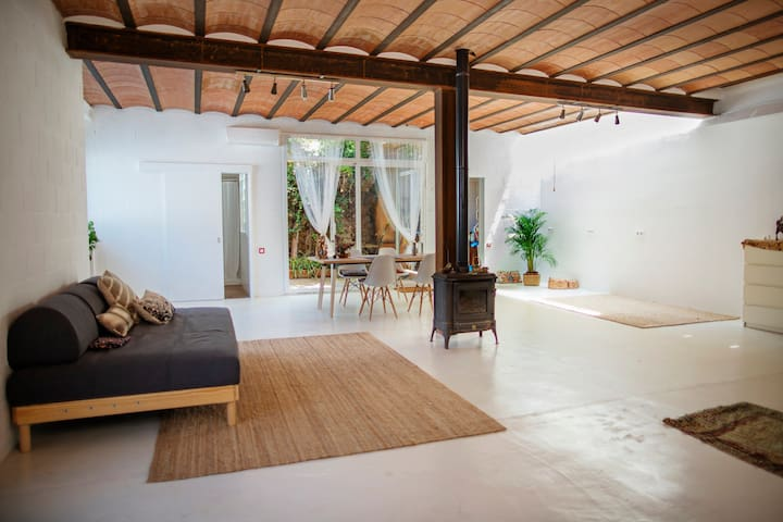 Awesome Loft in Barcelona surrounded  by nature