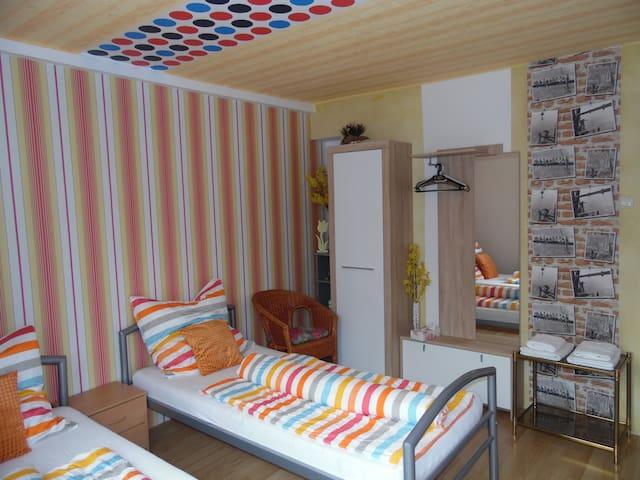 2 Schlafräume + Wohnküche + Terrasse, max. 6 Pers.