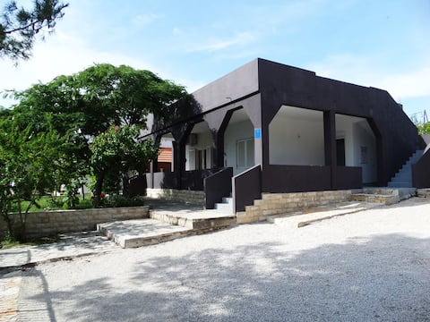 House Jurjevic - whole house with yard&parking