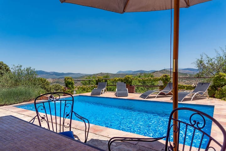cortijo 'La Encina' perfect privacy-mountains-pool