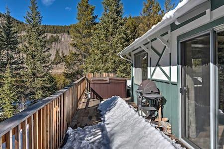 NEW! Cozy 2BR Grant Cabin On 3 Acres w/Hot Tub! - Grant - Kisház