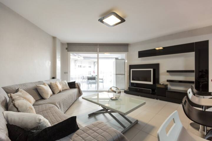 Deluxe apartment in Marina Botafoch!
