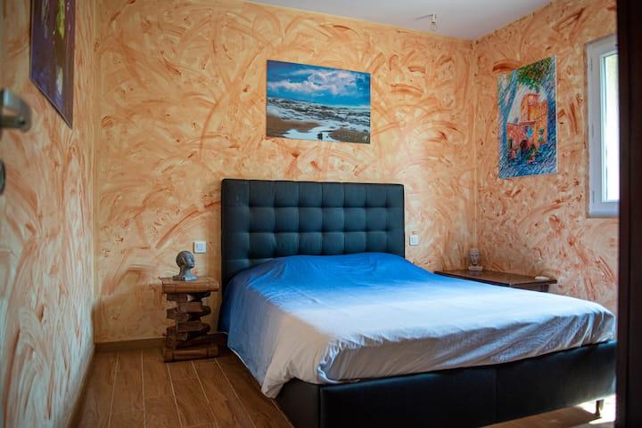 Chambre au Calme dans Villa d'Artistes. SDB privée