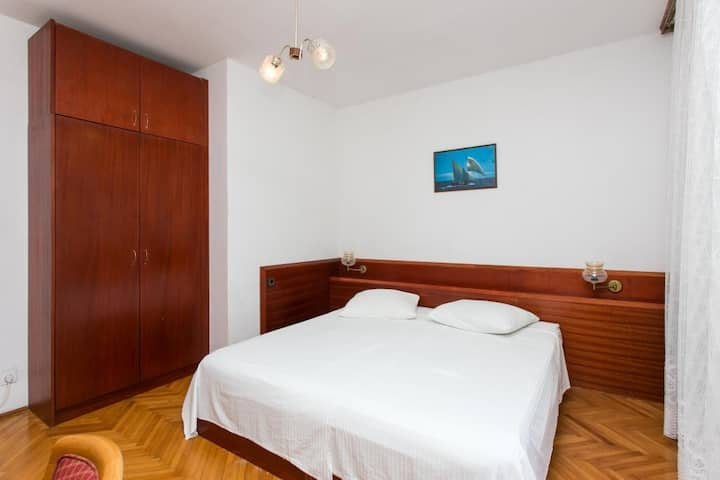 Guest House Zec - Double or Twin Room with Balcony and Sea View-2