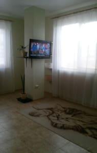 Новая квартира-студия в спальном районе - Gelendzhik - Wohnung