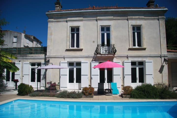 Beautiful holiday home in Blaye, Gironde-SW France - Blaye - House