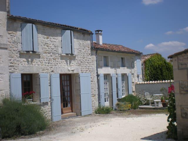Charming village house near Saintes