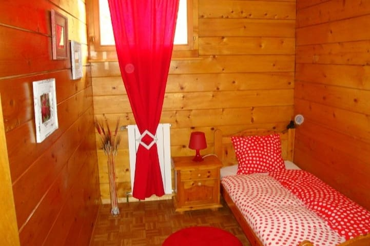 Chambre simple au Chalet - Sion - Bed & Breakfast