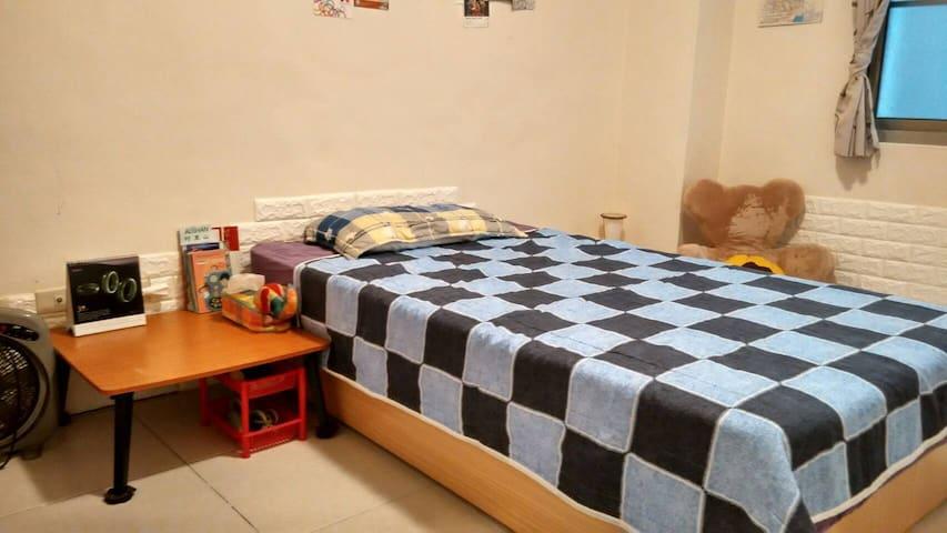 近高雄市文化中心的便利公寓單人房 - Lingya District