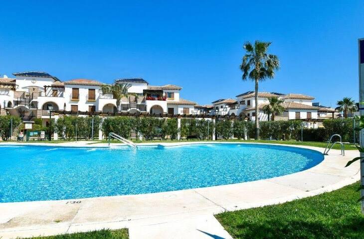 Ático gran terraza 2 dormitorios , piscina, garage - Vera - Apartament