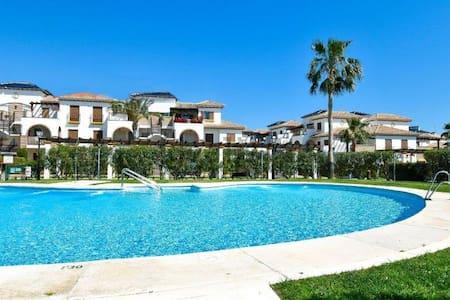 Ático gran terraza 2 dormitorios , piscina, garage - Vera