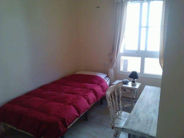 single room rent, close the sea