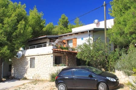 Studio flat with terrace and sea view Rukavac, Vis (AS-2444-a) - Rukavac