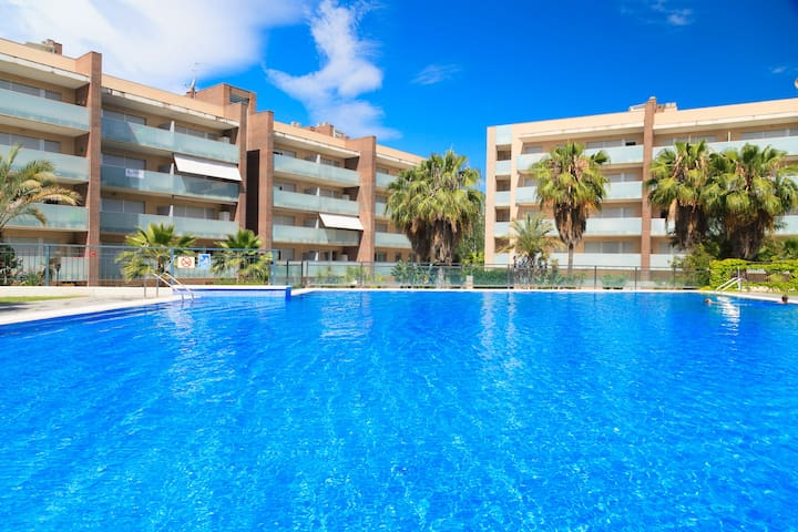 SPACIOUS AND MODERN APARTMENT WITH SWIMMING POOL, SPA, GYM,... IN SALOU S308-188  SPA AQUARIA FAMILY COMPLEX
