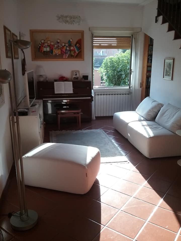 Appartamento con giardino e portico