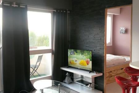 Appartement tout confort, avec vue sur mer - Apartament