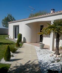 Maison avec piscine - Sainte-Soulle - Hus