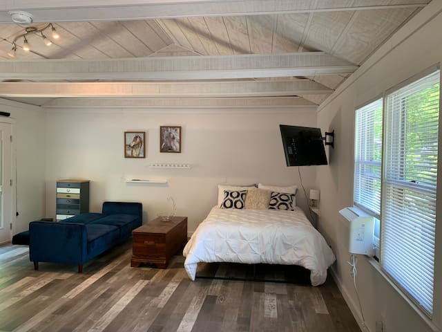 Enjoy the beautiful vaulted ceiling space.