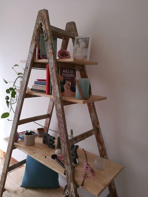 Particolare Libreria fatta a mano
