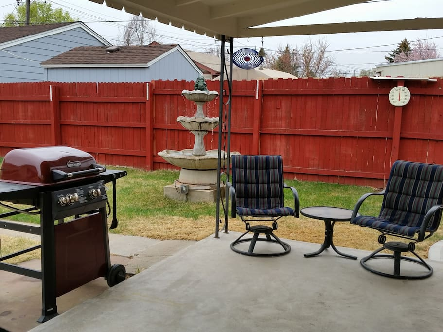 Patio with seating for 4 + BBQ grill