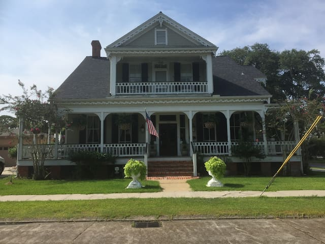 Paris Suite , Victorian Home, Franklin, La