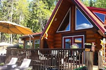 Eagle's Nest, a cozy cabin with breathtaking views