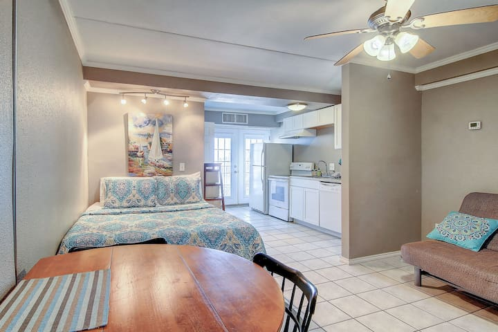Comfortable, waterfront studio with shared pools - dog-friendly too