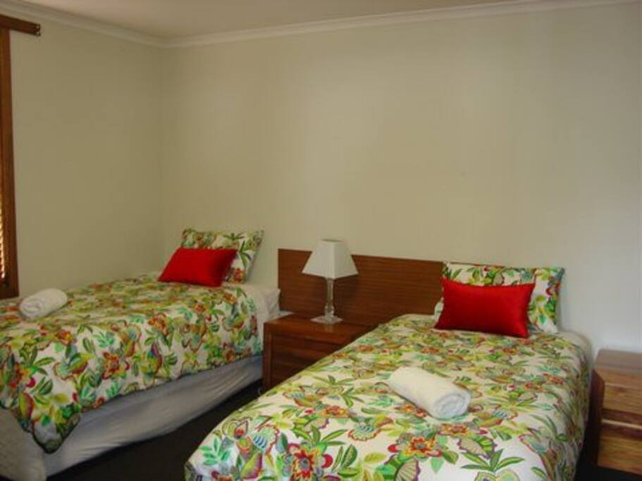 2nd Bedroom 2 x Singles & single Trundle Bed