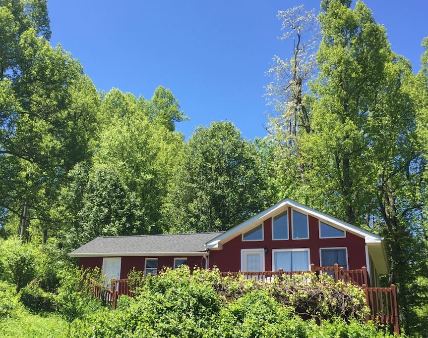 Cantrell cottage secluded mountain cabin cottages for for Cabins near hendersonville nc