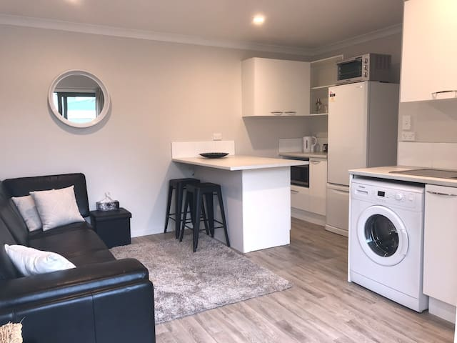 Parkvale's Park Royal - self contained apartment