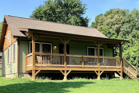 Comfy Asheville Cottage with Private Fenced Yard