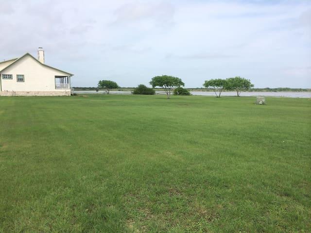Mullins Bayou Ranch, Bayside, TX 78340 - Bayside - Rumah