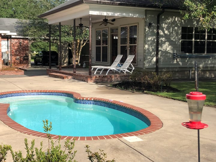 New Cottage on the Bayou with private pool