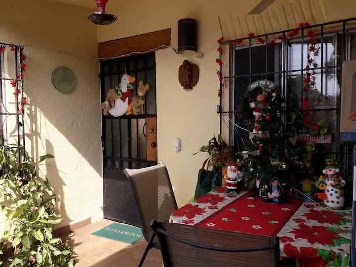 Habitación Confortable en Villa Encantada